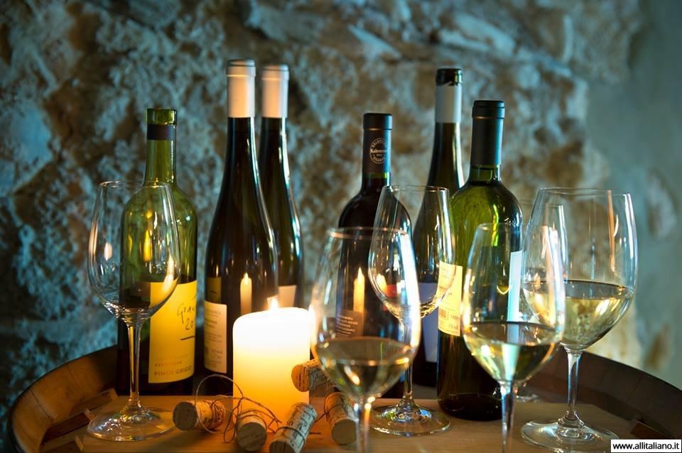 Дегустация вина в Италии.