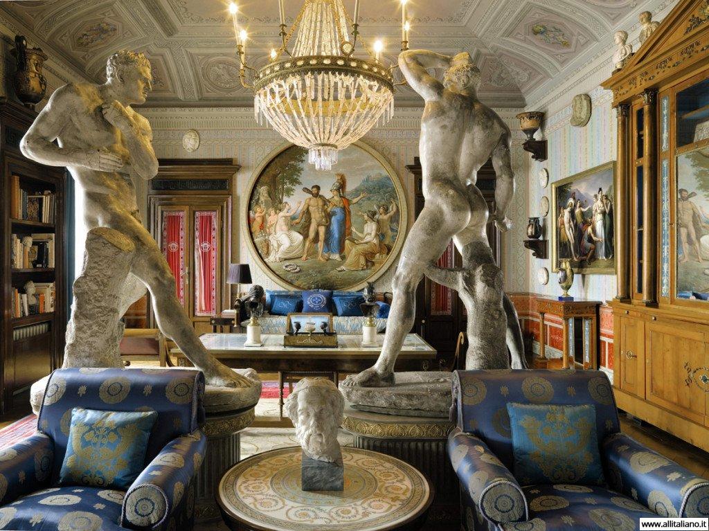 Мебель от знаменитого кутюрье
