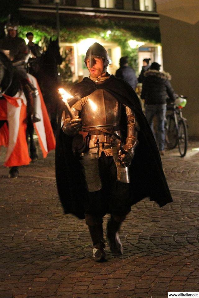 italia-rozhdestvo-v-italii-srednevekovoe-shestvie (56)