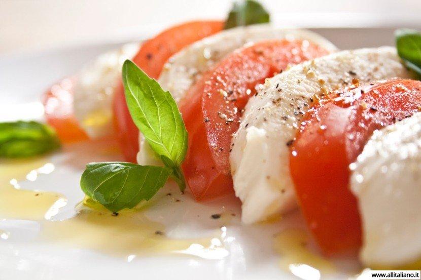 Рецепт салата «Капрезе» средиземноморская свежесть