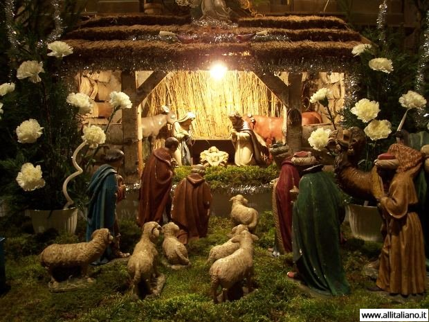 Рождение Иисуса - украшение каждой церкви на Рождество