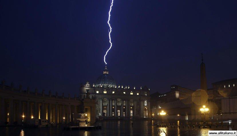 vatikan-scweizarskie-gvardejzy-italia-papa-rimskij-konobella (9)