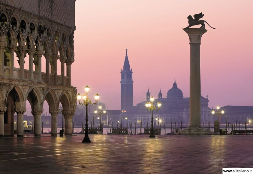 Прогуляемся по Венеции?