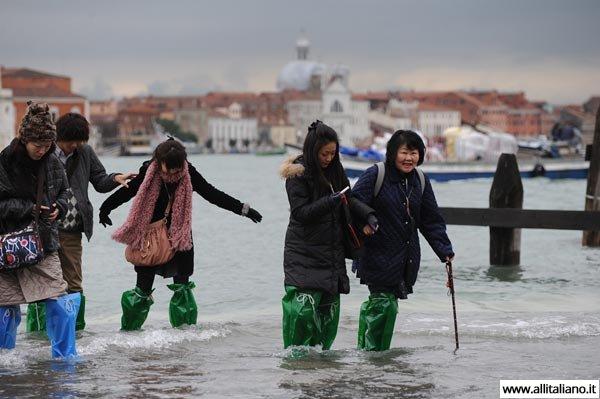 venezia-zimoi-italia-odin-den-v-venezii (1)