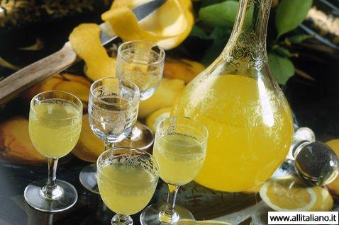 kak-prigotovit-limonchello-likior-napitok-italia-konobella (7)
