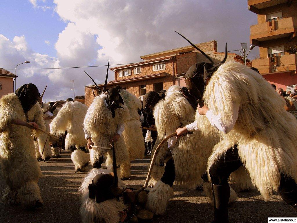Карнавал на Сардинии