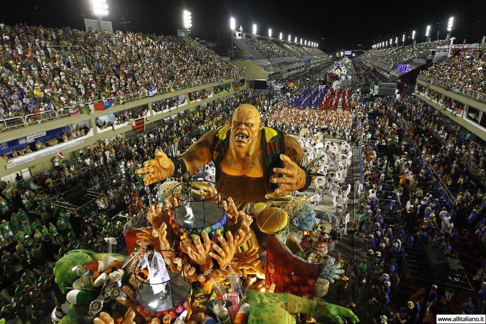 Карнавал в Рио-да-Жанейро