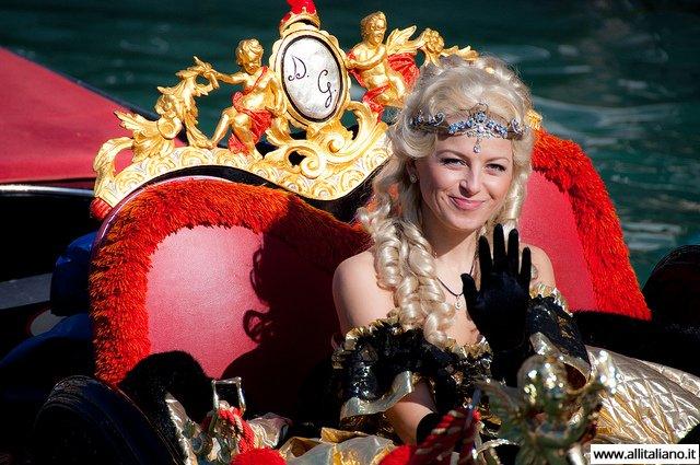 venezia-karnaval-konobella-kampanila-maski (1)