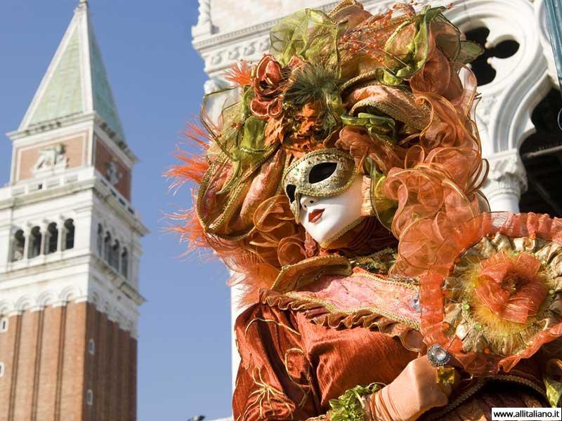venezia-karnaval-konobella-kampanila-maski (2)