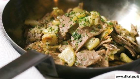 Жареная картошка с мясом по-крестьянски