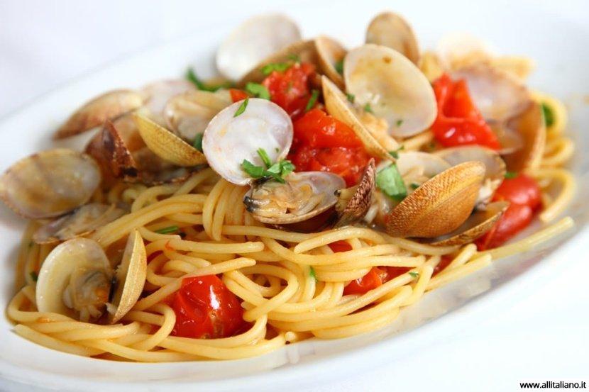 Спагетти с морскими петушками