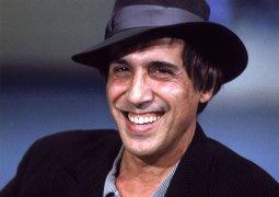 Адриано Челентано - часовщик, перед которым снимают шляпы