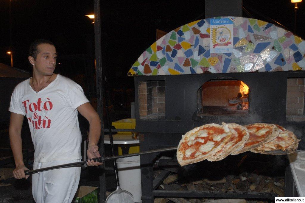pizza-italia-svetlana-konobella-istorija-pizzy-pizaiollo