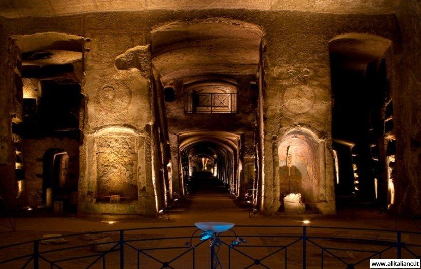 Подземные кладбища или катакомбы Неаполя