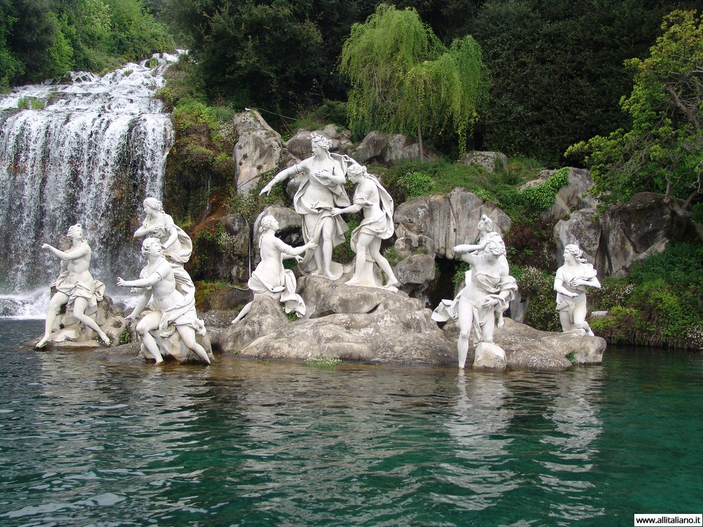 italia-svetlana-konobella-caserta-campagna-neapol-lodka