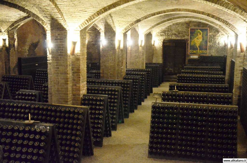 contratto-millesimato-svetlana-konobella-sommelier-asti-piedmont-sparkling-wine-millesimato-igristoe-schaum-wein-(10)