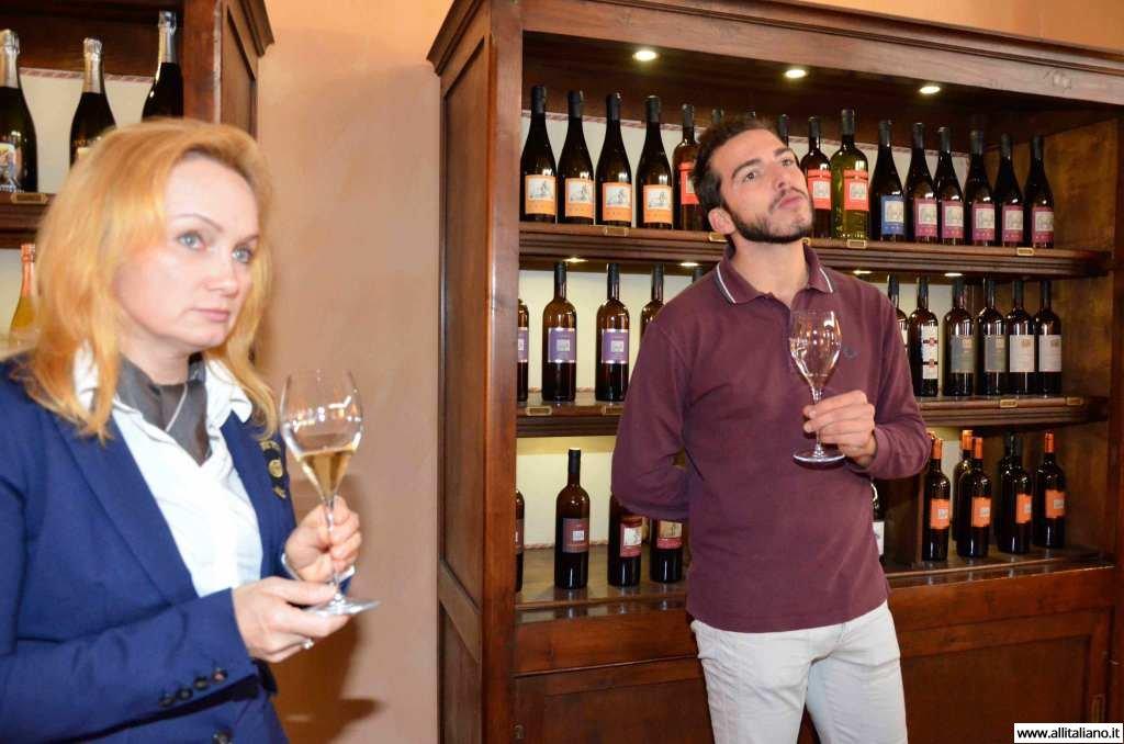 contratto-millesimato-svetlana-konobella-sommelier-asti-piedmont-sparkling-wine-millesimato-igristoe-schaum-wein-(13)
