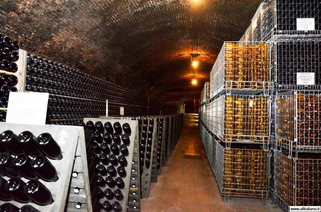 contratto-millesimato-svetlana-konobella-sommelier-asti-piedmont-sparkling-wine-millesimato-igristoe-schaum-wein-(53)