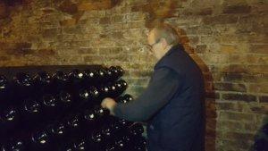 contratto-millesimato-svetlana-konobella-sommelier-asti-piedmont-sparkling-wine-millesimato-igristoe-schaum-wein-mauro-ferrero